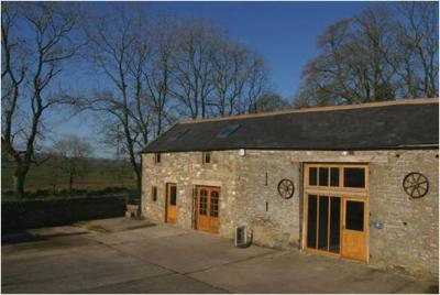 Barn building_0